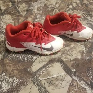 Boys nike cleats. Red/White size 12c